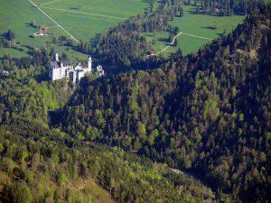 Wie weit ist es denn zum Schloss Neuschwanstein?